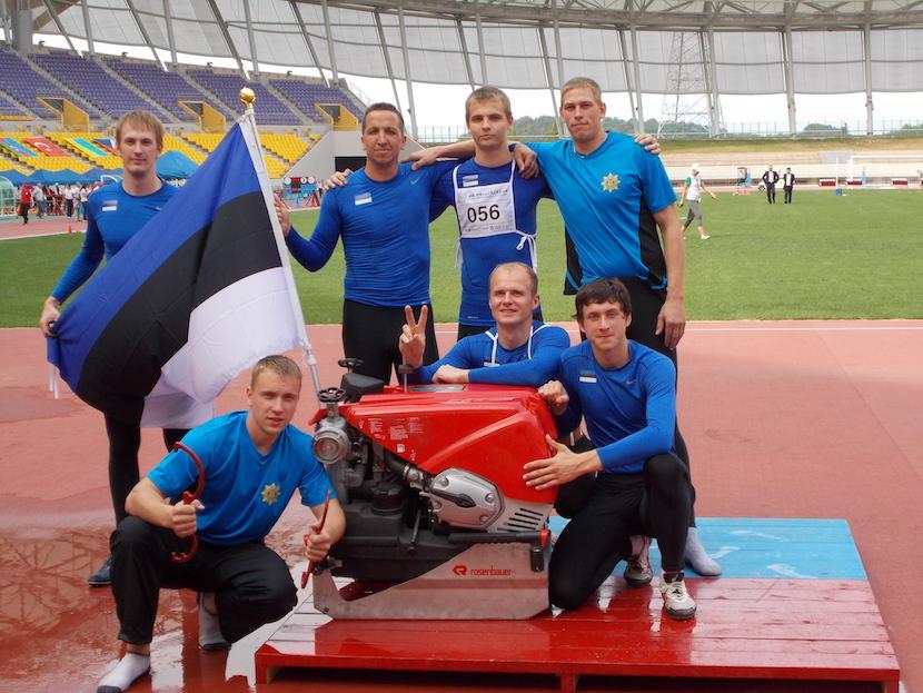 Eesti meeste mootorpumbaga hargnemise võistkond võitis 2013. aastal MMil Lõuna-Koreas hõbemedali.